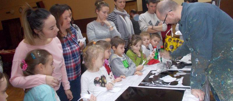 """Warsztaty w muzeum z rodzicami grupy V – dalsza realizacja projektu ,,Moje miasto i okolica – śladami polskiej historii i kultury""""."""