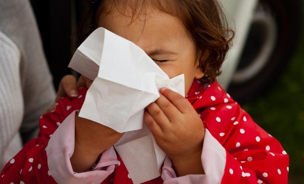 Jak nauczyć dziecko wydmuchiwać nos?