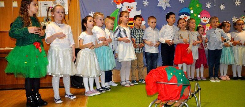 Przedstawienie świąteczne w grupie V