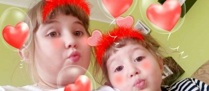 Serdeczne pozdrowienia od dzieci z grupy VI
